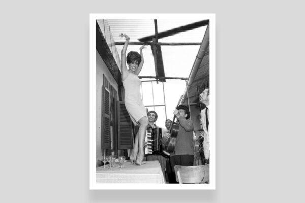 Raquel Welch e Marcello Mastroianni foto di Marcello Geppetti